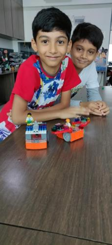 kids-at-lego-workshop